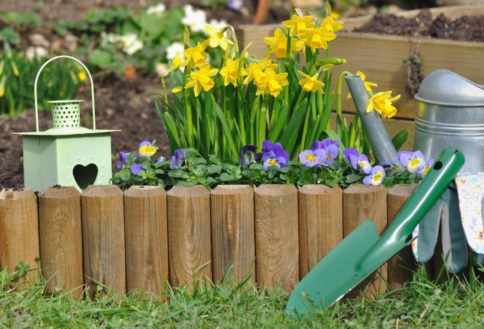 Raznovrstne lesene obrobe, ki jih postavimo po vaših željah