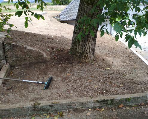Teren pripravljen za setev trave